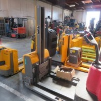 2018 Electric Jungheinrich EMC110 Electric Walkie Straddle Stacker