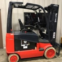 Electric Linde E30C Electric 4 Wheel Sit Down