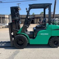2004 LP Gas Mitsubishi FG30N Pneumatic Tire 4 Wheel Sit Down