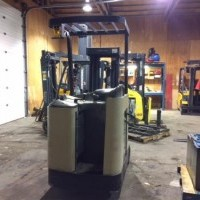 2005 Electric Crown RC 3000 Electric Stand Up End Control Docker