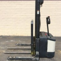 2000 Electric Crown WS-2000-40TL Electric Walkie Straddle Stacker
