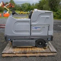 2006 Advance 3800 Rider Scrubbers