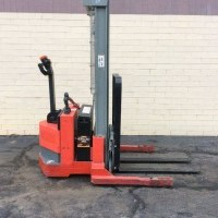 2001 Electric Raymond DSX30 Electric Walkie Straddle Stacker