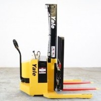2002 Electric Yale MWS030SCN12TV081 Electric Walkie Straddle Stacker