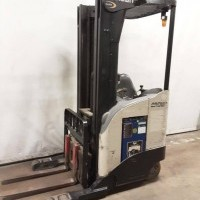 2008 Electric Crown RR5210-40 Electric Narrow Aisle Single Reach