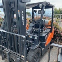 2017 LP Gas Doosan G25N Pneumatic Tire 4 Wheel Sit Down