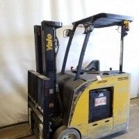2013 Electric Yale ESC040AC Electric Stand Up End Control Docker
