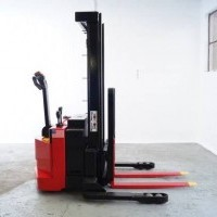 2007 Electric Raymond RSS40 Electric Walkie Straddle Stacker