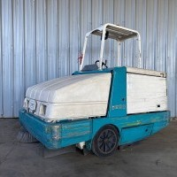 2010 LP Gas Tennant 6600 Rider Sweepers