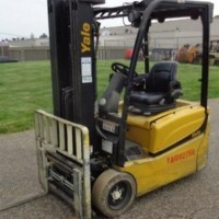 2011 Electric Yale ERP040 Electric 3 Wheel Sit Down