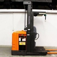 2010 Electric Toyota 7BPUE15 Electric Order Picker